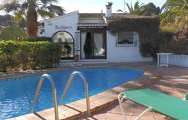 Residential for sale in Senija. Detached villa of 3 bedrooms with private pool in Benissa