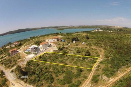 Cheap land for sale in Medulin. Building land