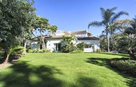 6 bedroom houses for sale in Costa del Sol. Outstanding Mediterranen Villa Guadalmina Baja, San Pedro de Alcantara