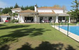 Residential for sale in Castille and Leon. WELL CONSTRUCTED VILLA ON PASEO DEL PARQUE
