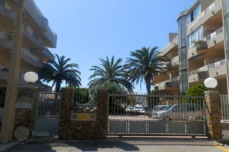 Bank repossessions property in Empuriabrava. Apartment – Empuriabrava, Catalonia, Spain