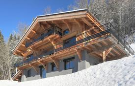 Luxury chalets for sale in Alps. New chalet with a terrace, a balcony and a wine cellar, with panoramic views of the mountains, Saint-Gervais-les-Bains, Alpes, France
