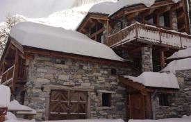 6 bedroom villas and houses to rent in Auvergne-Rhône-Alpes. Chalet – Val d'Isere, Auvergne-Rhône-Alpes, France