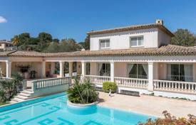 Close to Mougins - Charming Neo -Provencal for 1,790,000 €