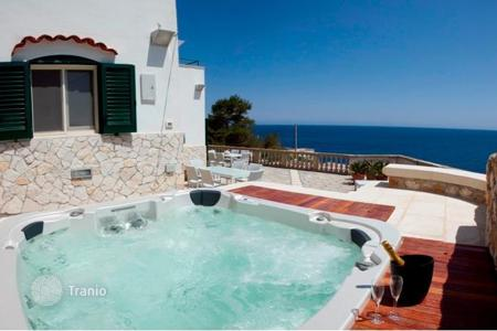 Villas and houses to rent in Apulia. Villa - Castro, Apulia, Italy