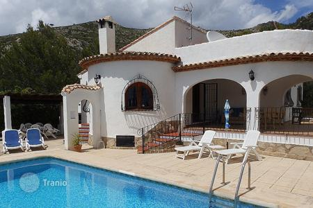 Houses with pools for sale in Jalón. Villa of 3 bedrooms in Jalón/ Xaló