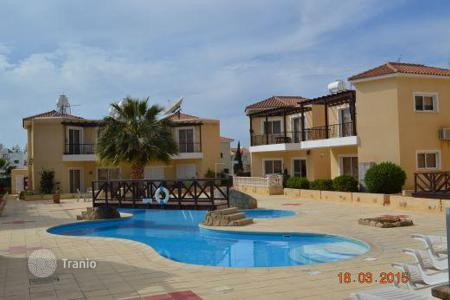 Property for sale in Paphos. Apartment in a prestigious residential complex near the harbor of Paphos