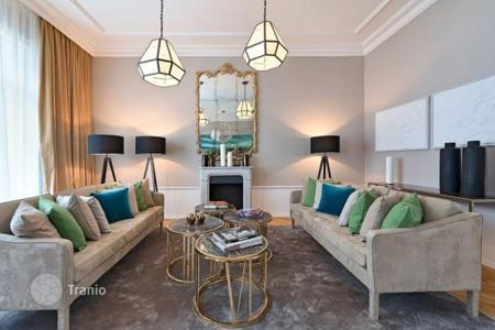 Luxury 3 bedroom apartments for sale in Austria. Elegant, fully renovated apartment with two terraces and sauna in a historical building in the center of Vienna, Inner City