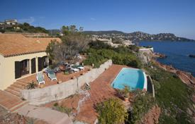 Luxury property for sale in Saint-Raphaël. Villa on the first line from the sea, Saint-Raphael, France