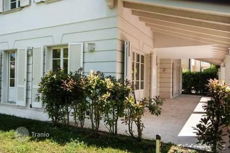 Luxury 3 bedroom apartments for sale in Tuscany. Apartment – Forte dei Marmi, Tuscany, Italy