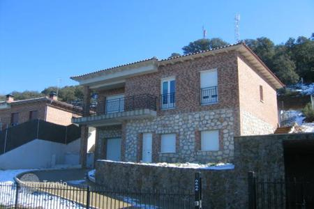 Foreclosed 3 bedroom houses for sale in Castille La Mancha. Villa – Fuentenovilla, Castille La Mancha, Spain