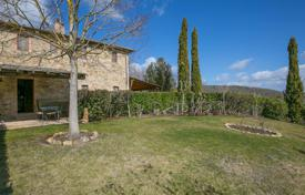Houses with pools for sale in Italy. Agricultural – Castelnuovo Berardenga, Tuscany, Italy