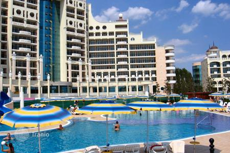 Cheap apartments with pools for sale in Pomorie. Apartment – Pomorie, Burgas, Bulgaria