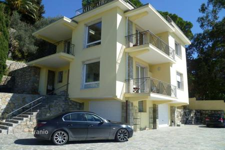 4 bedroom houses by the sea for sale in Southern Europe. New villa in Bordighera