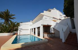 Luxury houses with pools for sale in Costa Blanca. Two-level villa with panoramic sea views in Altea, Alicante, Spain