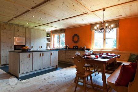 Chalets for rent in Austrian Alps. Chalet – St. Anton am Arlberg, Tyrol, Austria
