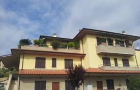 Property for sale in Marche. Magnificent attik in the three-storyed house