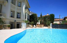5 bedroom houses by the sea for sale in France. Belle Epoque