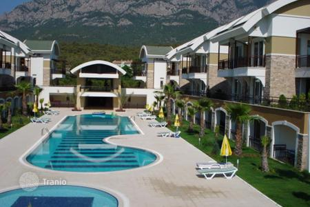 3 bedroom apartments to rent in Turkey. Duplex with mountain views and a private beach in 150 m. Swimming pool, sauna and other amenities available. Kemer, Turkey
