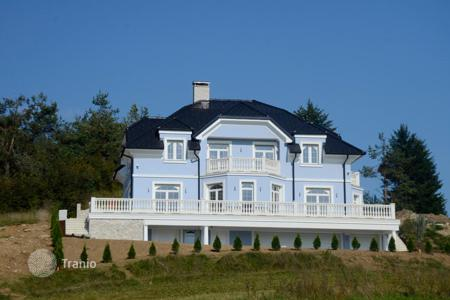 4 bedroom houses for sale in Slovenia. House in Slovenia, Logatec city. House area: 477.1 sqm, the plot of 1,134 m²