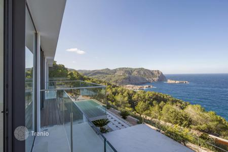 Luxury houses with pools for sale in Ibiza. New villa on the coast of Benirras