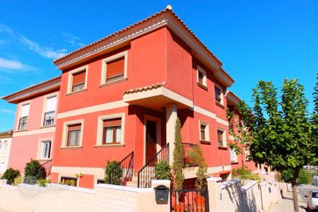 Cheap residential for sale in Benijofar. Townhouse of 3 bedrooms in Benijófar