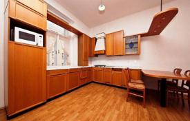 2 bedroom apartments for sale in Praha 2. Spacious flat with 3 rooms and a balcony in the centre of Prague (quite area Vinohrady)