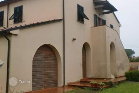 3 bedroom houses for sale in Cecina. Villa – Cecina, Tuscany, Italy