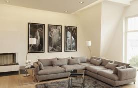 Penthouses for sale in Germany. Five-room penthouse apartment next to the boulevard Kurfürstendamm, Wilmersdorf, Berlin