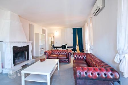 Cheap 2 bedroom apartments for sale in Italy. Three-room apartment