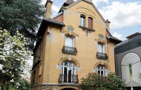 Luxury 4 bedroom houses for sale in Ile-de-France. Clamart — An exceptional Art Déco property