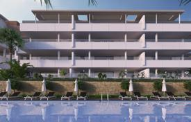 Exclusive 3 bedroom apartments and penthouses. Large terraces with panoramic views of the golf course and to the sea. for 365,000 €