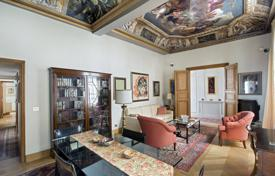 Paris 3rd District – A remarkable apartment in a 17th century private mansion for 2,500,000 €