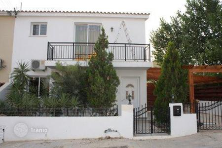 Townhouses for sale in Chloraka. 3 Bedroom Property Desirable Location — Chlorakas