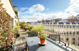 2 bedroom apartments for sale in Ile-de-France. Paris 17th District – A 100 m² apartment with a 50 m² terrace