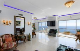 Penthouses for sale in Provence - Alpes - Cote d'Azur. Penthouse with a balcony and a rooftop terrace with a jacuzzi and sea views, Cannes, Côte d'Azur