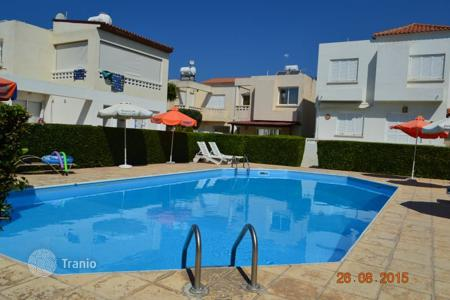 Townhouses for sale in Paphos. Townhouse a 10-minute walk from the beach in Kato, Paphos
