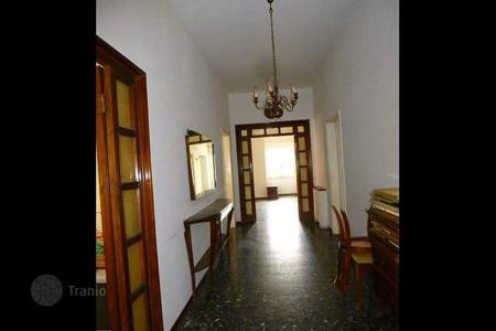 4 bedroom apartments for sale in Florence. Apartment – Florence, Tuscany, Italy