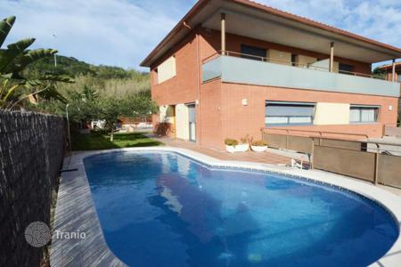 4 bedroom houses for sale in Catalonia. Spacious house with sea views, Sant Pol de Mar, Spain