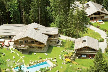 Villas and houses for rent with swimming pools in Chamonix. Chalet – Chamonix, Auvergne-Rhône-Alpes, France