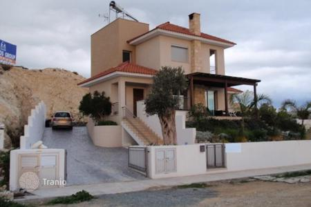 3 bedroom houses by the sea for sale in Limassol. Villa - Limassol, Cyprus
