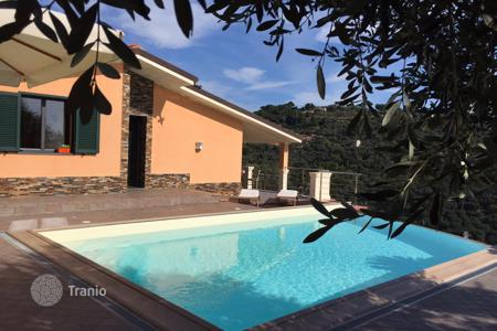 Property for sale in Province of Imperia. Villa on the first hill with stunning sea view