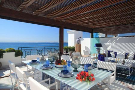 Luxury houses with pools for sale in Estepona. Country seat – Estepona, Andalusia, Spain