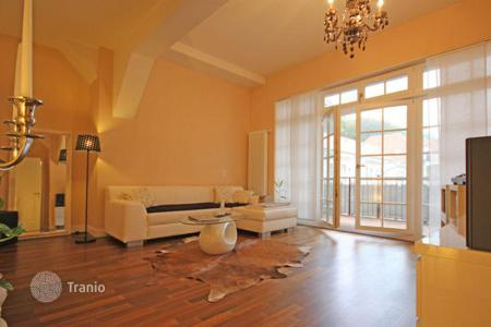 Property for sale in Baden-Wurttemberg. Elegant, furnished, 2-bedroom apartment with a balcony in Baden-Baden