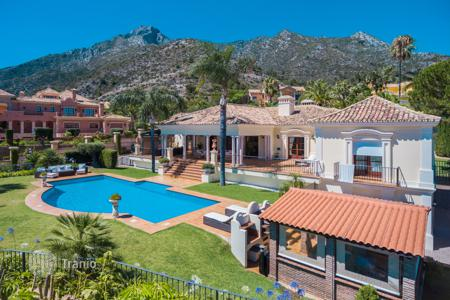 Houses for sale in Malaga. Stunning villa in the prestigious and gated community of Sierra Blanca