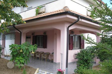 3 bedroom houses for sale in Abruzzo. Property in Pescara. Italy