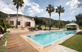 Residential for sale in Campanet. Superb villa for sale with amazing views at the countryside, Campanet