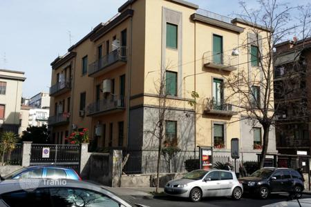 Residential for sale in Catania. Renovated apartment a few meters from the square of Santa Maria di Gesu, Catania, Sicily