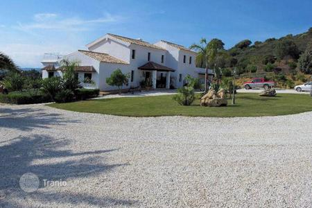 Houses for sale in San Enrique de Guadiaro. Country house just a few minutes from Sotogrande in San Enrique de Guadiaro