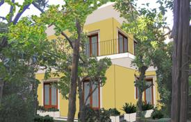 Apartments for sale in Campania. Apartment in a two-storey house with a garden, 500 meters from the sea, Meta, Italy